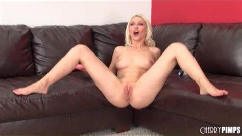 Naked Bleach Blonde Stevie Shae Masturbates Blonde Porn