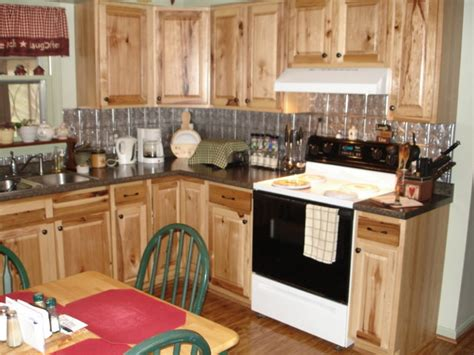 hickory kitchen cabinets lowes kitchen classics cabinets denver hickory roselawnlutheran