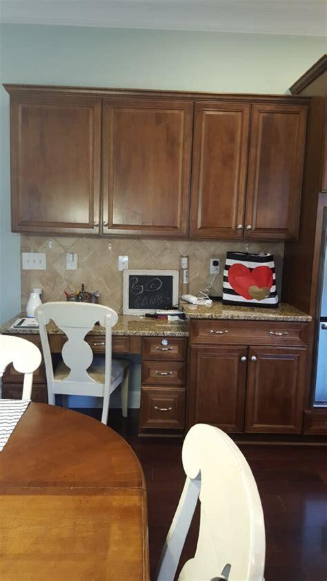 Extra White & Hale Navy kitchen   2 Cabinet Girls