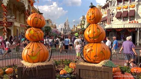 magic kingdom  halloween decorations  walt disney world main street usa youtube