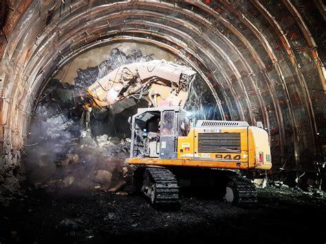 materiel liebherr  tunnel sotrabas