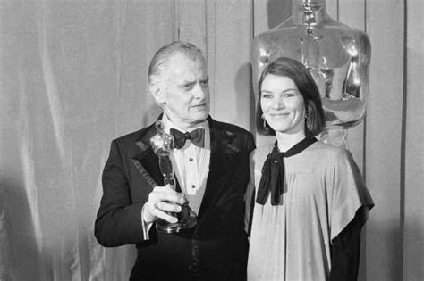 Glenda Jackson presents Art Carney with the 1974 Best ...