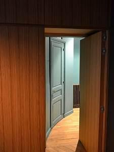meuble d39entree avec porte derobee ateliers courtois With porte d entrée alu avec vasque pour salle de bain design