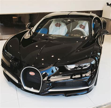 Place the car on the ground, hold down the car body and pull it back, the car will drive forward. Bugatti Chiron Cold Start Up and Sound