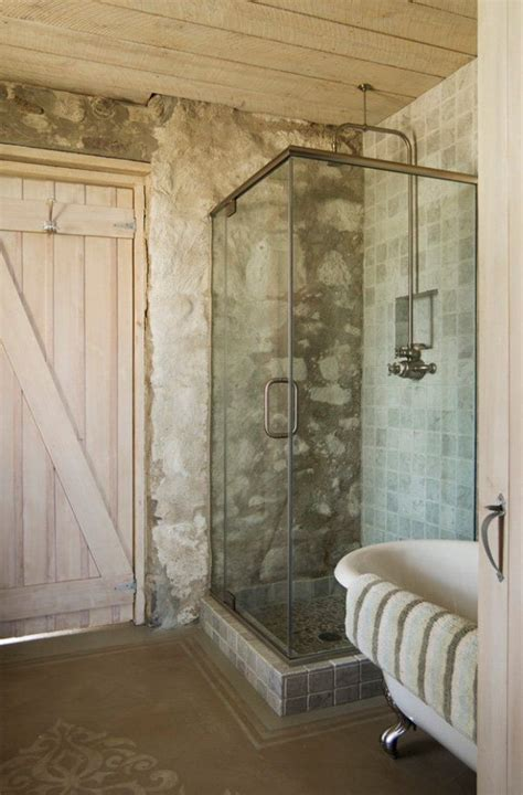 antique bathrooms  trendy appeal