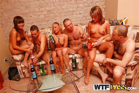 Naked College Girls Moan From Orgy Fucking Pics