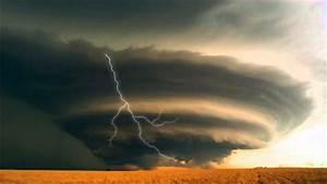 Lightning Storm Animated Wallpaper http://www ...