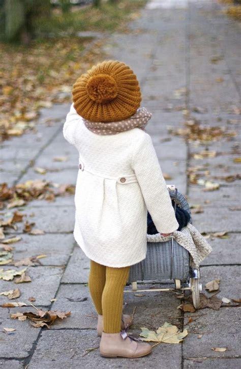 winter outfits fuer maedchen  stilvolle ideen fuer ihre