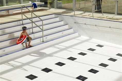 Should Inground Swimming Pools Be Drained?