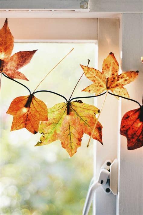 Herbst Girlande Fenster by Fensterdeko Zum Herbst Kreative Vorschl 228 Ge Archzine Net