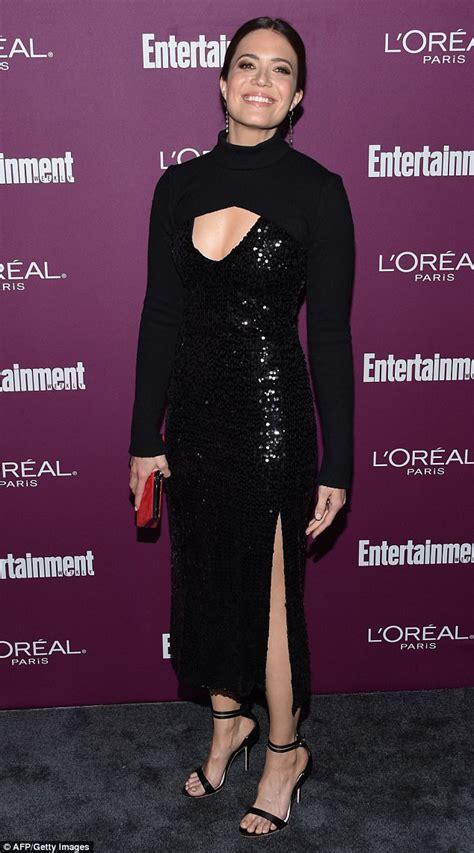 Ariel Winter reveals her bountiful bosom in mini dress ...