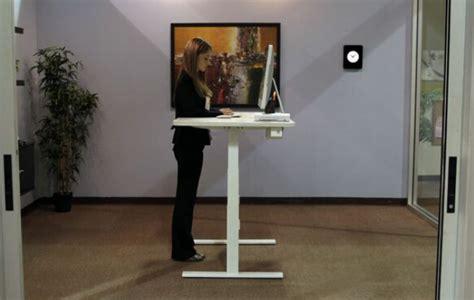 bureau position debout un bureau ergonomique pour travailler assis et