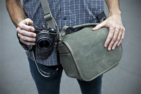 simple shoulder bag   nikon