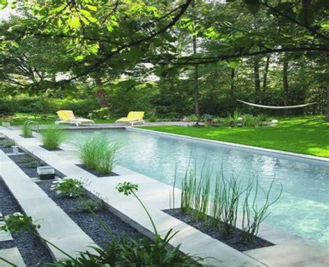 Moderne Häuser Gartengestaltung by Schwimmteich Ideen