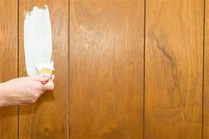 Holz Weiß Streichen : holzpaneele mit wandfarbe streichen keine gute idee ~ Markanthonyermac.com Haus und Dekorationen