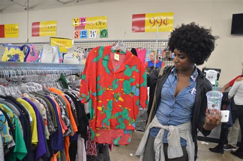artistic out of the closet thrift store dallas tx