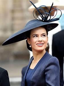 Chapeau Anglais Femme Mariage : top 5 des plus beaux chapeaux au mariage de kate et william capelines chapeau chapeau de ~ Maxctalentgroup.com Avis de Voitures