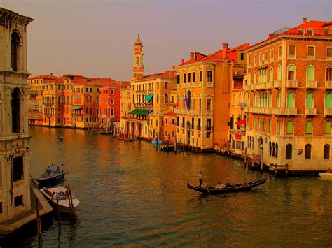 Photo Of The Week Colourful Canals Of Venice Italy