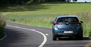 Avis Toyota Auris Hybride : toyota auris hybrid pr ts abandonner le diesel ~ Gottalentnigeria.com Avis de Voitures