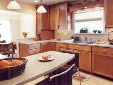 50s style kitchen cabinets transforming a 50s kitchen hgtv 3923