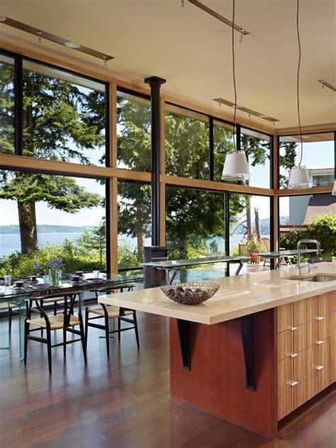 baie de cuisine maison avec façade vitrée aux usa construire tendance