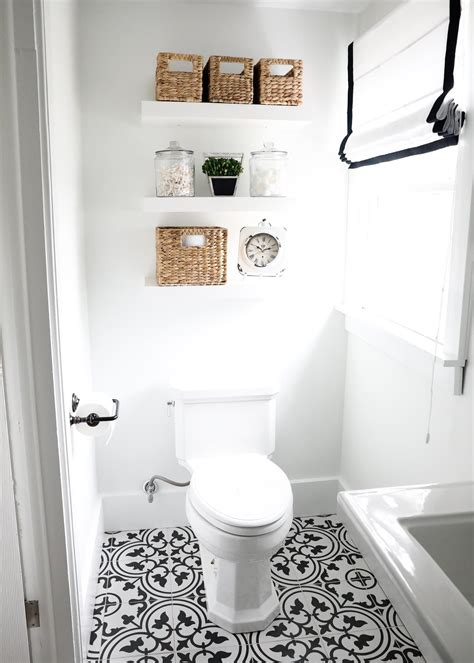 Black And White Tile In Bathroom by Black And White Bathroom Bathroom Ideas White Bathroom