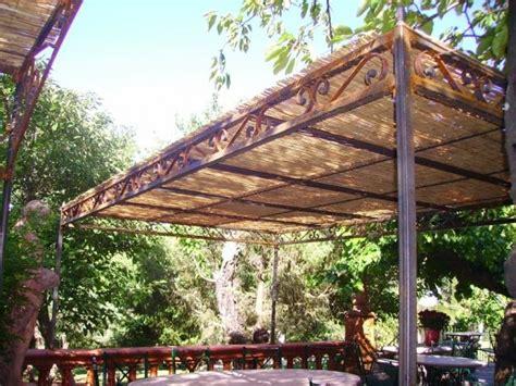 pergola en fer forg 233 tonnelles fer forg 233 vaucluse lagnes pergola en bois exotique