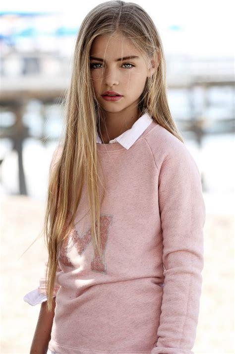 Flatchested Fashion Photoshoot Model Girl