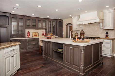 Hardwood Floors Light Cabinets by 17 Stunning Hardwood Floors With Light Wood Cabinets