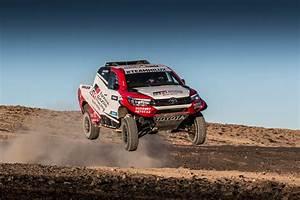 Dakar 2018 Classement Auto : toyota gazoo racing sa announces three car line up for dakar 2018 motor monthly ~ Medecine-chirurgie-esthetiques.com Avis de Voitures