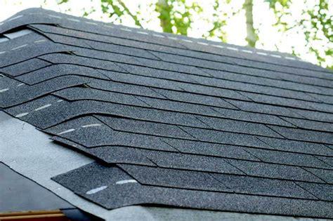 gartenhaus dachpappe schindeln verlegen gartenhaus dach decken kosten