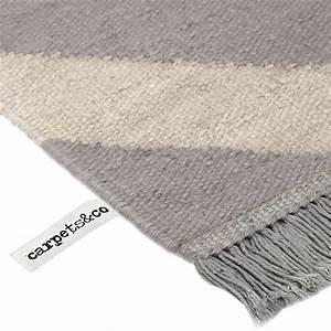 Tapis Gris Blanc : tapis gris et blanc moderne zig zag carpets co 160x230 ~ Teatrodelosmanantiales.com Idées de Décoration