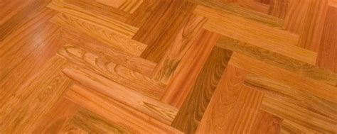 Expert Hardwood Flooring Contractor for Commercial