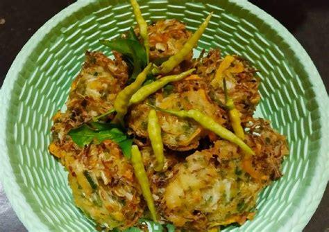 5.678 resep bakwan sayur ala rumahan yang mudah dan enak dari komunitas memasak terbesar dunia! Resep Bakwan Sayur Renyah oleh Pido (Pido's Kitchen) - Cookpad
