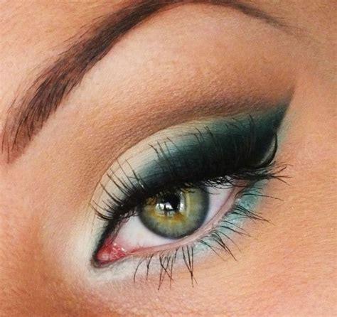 Comment faire un maquillage de sorcière ?