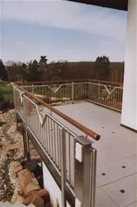Geländer Aus Holz : gel nder balkongel nder in edelstahl mit einem handlauf aus holz ~ Buech-reservation.com Haus und Dekorationen