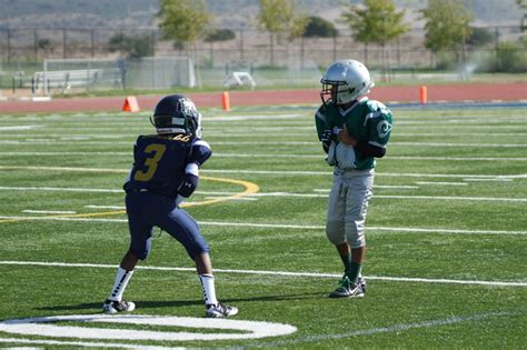 football defense youth drills defensive zone coverage play teams youthfootballonline run stance press jm2 player