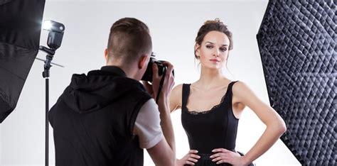 Video: Modeles karjeru beidzas ar piedāvājumu ...