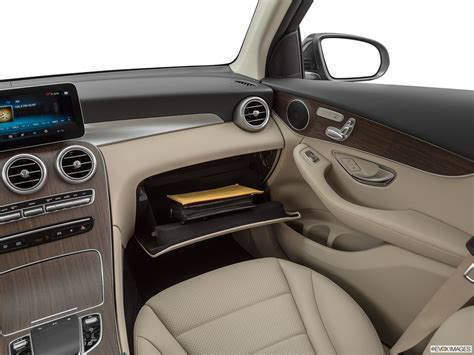 Mercedes amg glc 43 coupe 300d 4matic 2020check the most updated price of mercedes benz glc coupe 300d 4matic 2020 price in dubai uae and detail specifications, features and compare mercedes benz glc coupe 300d 4matic 2020 prices features and detail specs with upto 3. Mercedes-Benz GLC-Class 2020 GLC 300 4MATIC in UAE: New Car Prices, Specs, Reviews & Photos ...