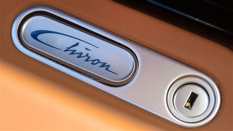 Bugatti Chiron (2017) Review
