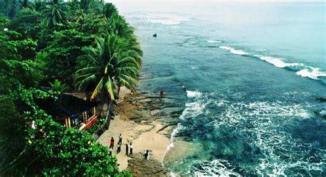 lokasi wisata pantai  banten  patut dikunjungi