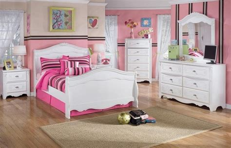 raymour flanigan rogue  bedroom sets atmosphere
