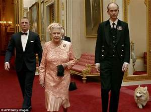 The Queen's missing hot water bottle and why knives are ...