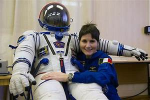 Space in Images - 2014 - 11 - Samantha's Sokol suit