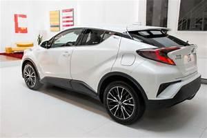 Nouvelle Toyota Chr : toyota c hr l 39 argus d j bord du qashqai de toyota en vid o l 39 argus ~ Medecine-chirurgie-esthetiques.com Avis de Voitures