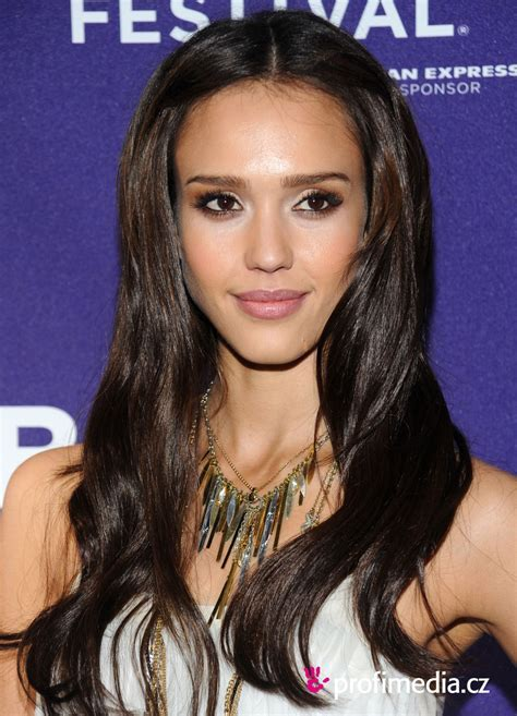 Jessica Alba     hairstyle   easyHairStyler