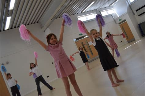 idle ce primary school dance class