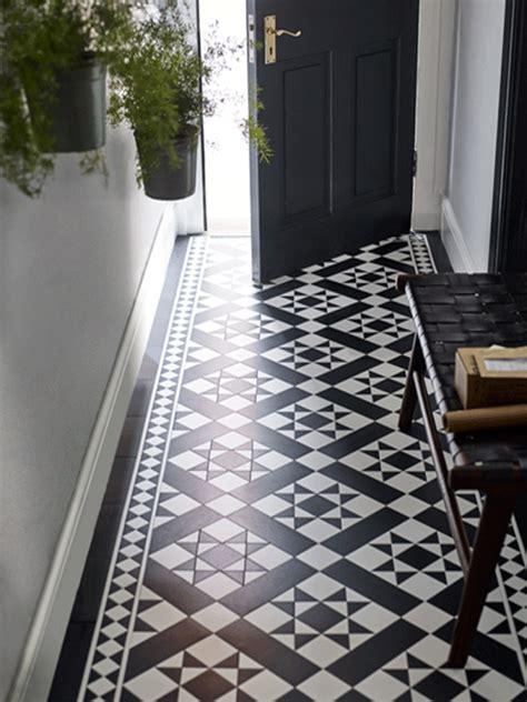 Fliesen Legen Schmaler Flur by Luxury Vinyl Flooring Tiles Design Flooring By Amtico
