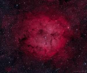 IC1396 – Emission Nebula in Cepheus – Bicolor – DeepSkyView