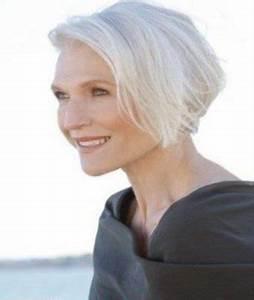 Coupe Cheveux Gris Femme 60 Ans : cheveux gris femme 60 ans coloration des cheveux moderne ~ Voncanada.com Idées de Décoration